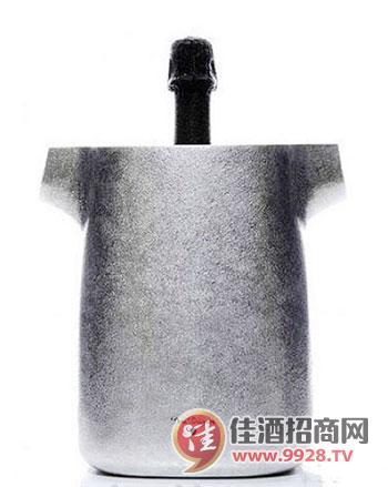 """唐培里侬香槟王推出""""京都""""香槟冰桶"""